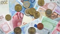 Regulator eyes Swiss banks over laundering