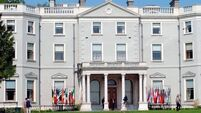 State Papers 1986: 'Shabby' Farmleigh was best option to host heads of state