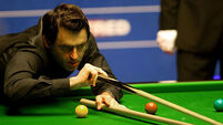 Ronnie O'Sullivan still in peril as Barry Hawkins stays out in front