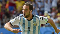 Gonzalo Higuain's moves to Juventus for €90m