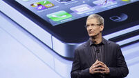 Apple opts for caution in light of falling sales