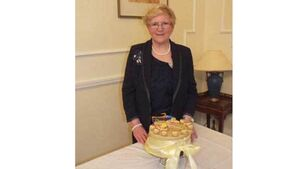 ICA news: Mella Winter's cake proves a winning choice