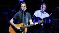 Tributes pour in for late Eagles frontman Glenn Frey