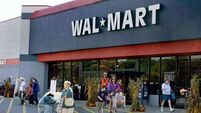 Wal-Mart rivals eye up $10-an-hour move