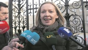 No beating about the bush as Kate O'Connell and Lucinda Creighton do battle for a seat