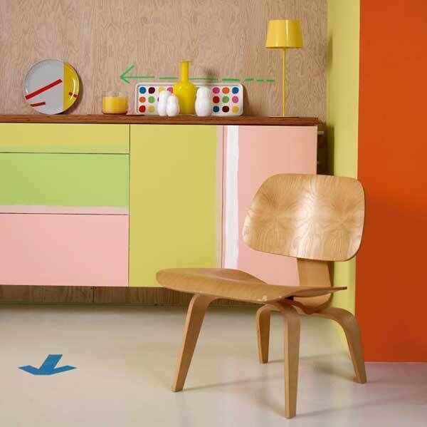 Mismatching paint colours work beautifully here thanks to the equal depth of each and how they are picked up by other objects in the room. The common theme of mid-century modern furniture pulls the whole look together (Dulux Yellow 70YY 59/485, pink 23YR 66/193, green 10GY 61/449 Ä53.99 p/5 ltrs at B&Q, Woodies)