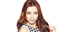 Una Foden's profits on song amid solo deal