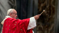 Pope Francis urges young to put prayer above texts