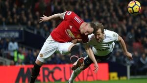 Quickfire Spurs expose United frailties