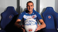 John O'Shea completes Reading switch