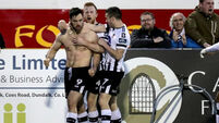 Dundalk close gap on Cork to a point with dramatic late winner