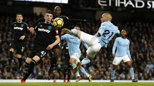 David Silva the saviour as Man City equal 13-win record