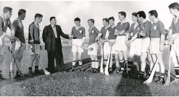 Mick Mackey talks to the Limerick team who he trained in 1955