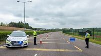 2,000 Gardaí staff Covid-19 checkpoints ahead of reduced restrictions