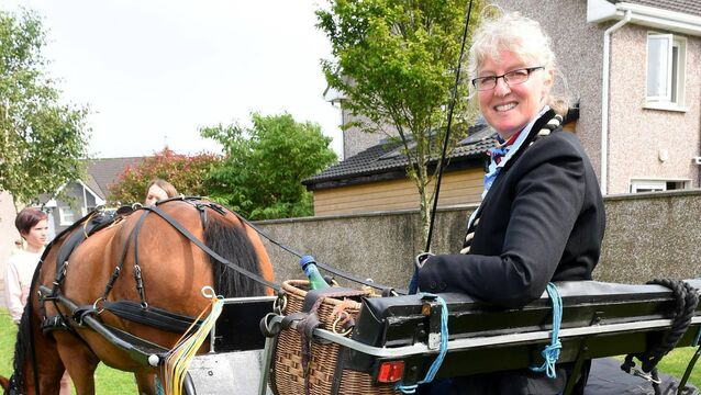 Kinsale teacher pays personal graduation visit to students by horse