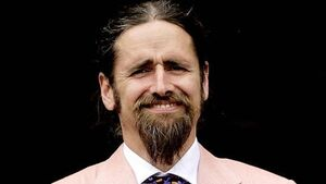 Luke Ming Flanagan laughs off 'dangers of working from home' after Parliament pants faux pas