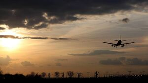 Airline stocks remain in tailspin despite fundraising efforts