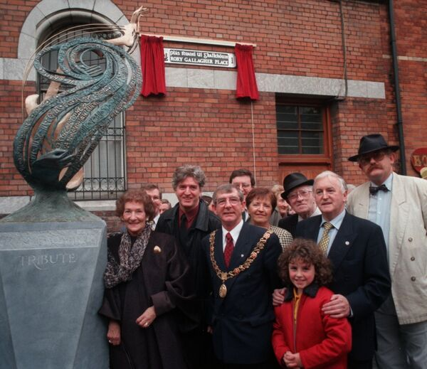 Mrs Monica Gallagher, Rory's mother; his brother Donal; former Lord Mayor of Cork, Cllr Dave McCarthy; former lady mayoress Mrs Frances McCarthy; Cllr Dan Boyle; Dan Wallace; Pat O'Mahony; and Marcus Connaughton. Picture: Eddie O'Hare
