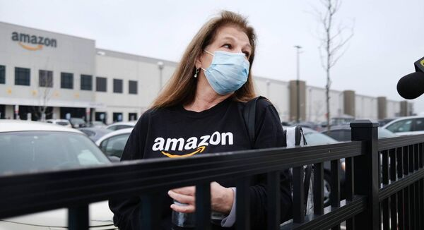 Amazon employees hold a protest and walkout over conditions at the company's Staten Island distribution facility on March 30, 2020 in New York City. Picture: Spencer Platt/Getty Images