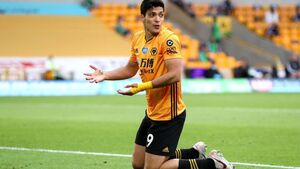 Santo relaxed about comments linking Raul Jimenez to Manchester United
