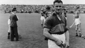 A legend at 90: 'Theo English would still talk hurling with any man, woman or child in Tipperary'