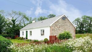 House of the Week: Authentic Auburn in West Cork for €275,000