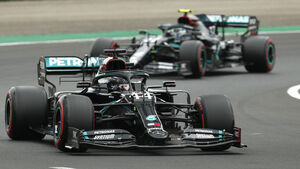 Lewis Hamilton on pole for Hungarian Grand Prix as Mercedes domination continues