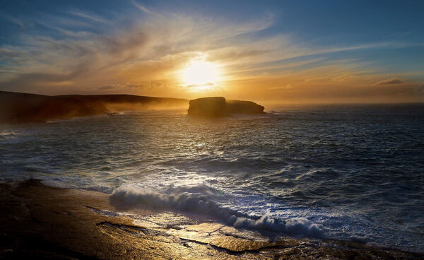 Kilkee: The Kilkee Cliff Walk is a looped trail which starts from the town and meanders alongside a dramatic coastal route.