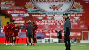 Klopp wants squad to remain lean and keen