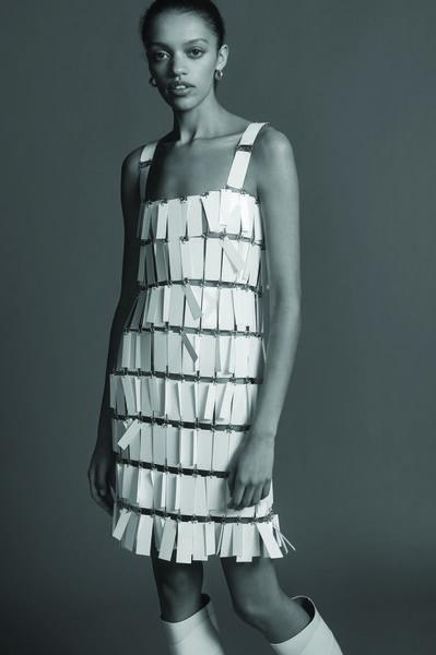 Une robe Paco Rabanne de MATCHESFASHION.com