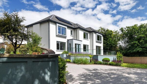 Nearby, the Passive A1-rated Linaro House came to market a month ago for €1.25m