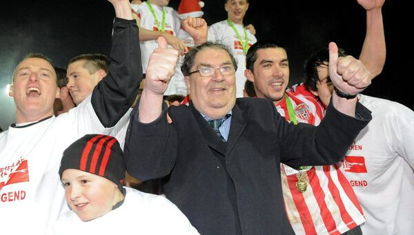 30 October 2010; John Hume, SDLP founder and co-recipient of the 1998 Nobel Peace Prize, celebrates with Derry City players after winning the Airtricity League First Division. Picture: Oliver McVeigh/Sportsfile