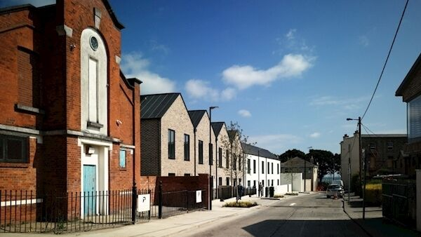 The RIAI award-winning Georges Place Housing scheme by Dún Laoghaire County Architects Department with A2 Architects.