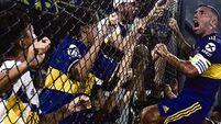 Tevez seals title for Boca with a kiss
