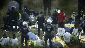 Hundreds of anti-coal protesters break into German mine