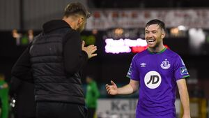 Shamrock Rovers end Dundalk's club-record home run to close in on title
