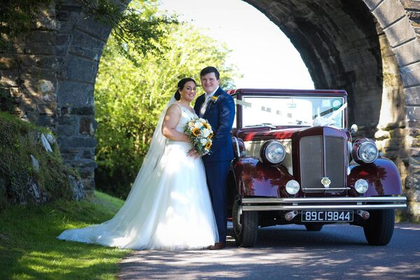 A vintage car for Mairéad Dineen and Kieran O'Brien