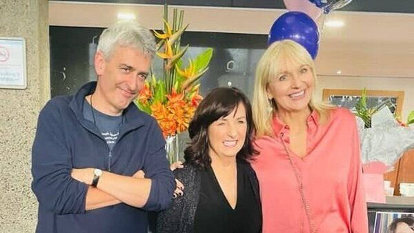 RTÉ presenters apologise over social distance breaches. David McCullagh and Miriam O'Callaghan pose with their colleague (C) on her final day at work. Source: RTÉ.ie/news