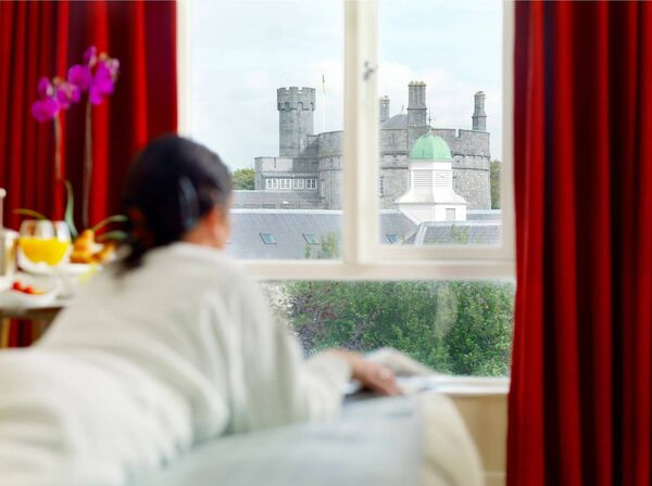 Enjoy 20% off the luxurious packages at the Pembroke Hotel this weekend.