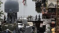 Rescuers fear 18 crew dead after explosions on Indian submarine