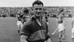 'Theo English was an icon in South Tipp and a legend wherever hurling people gathered'