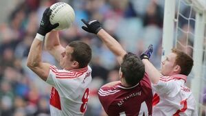 Derry stage late comeback to claim league title