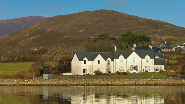 Castlewood House in Dingle offers solo traveller packages.