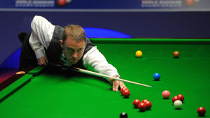 Stephen Hendry loses in Gibraltar Open first round in return to snooker