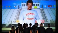 'Glee' cast pay emotional tribute to Monteith