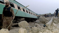 One dead, 40 injured as train derails in southern Pakistan