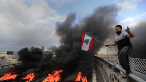 Protesters paralyse Lebanon amid political and economic crisis