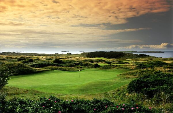 The green on the 4th hole 'Fred Daly's' on the Dunluce Course at Royal Portrush Golf Club. Photo by David Cannon/Getty Images