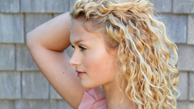 <p>Embrace natural curls this spring. </p>