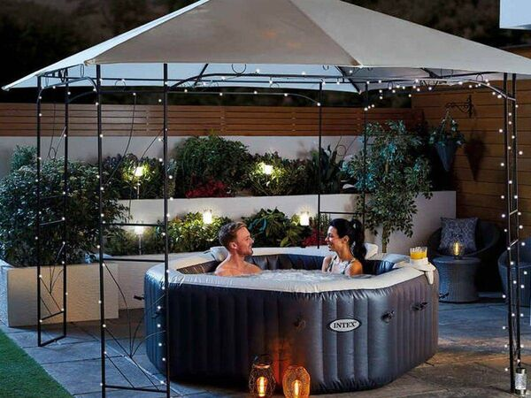 Aldi's hot tub, sales of which were cancelled due to current Covid-19 restrictions